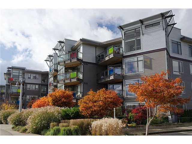 "Main Photo: 110 14300 RIVERPORT Way in Richmond: East Richmond Condo for sale in ""WATERSTONE PIER"" : MLS®# V931528"