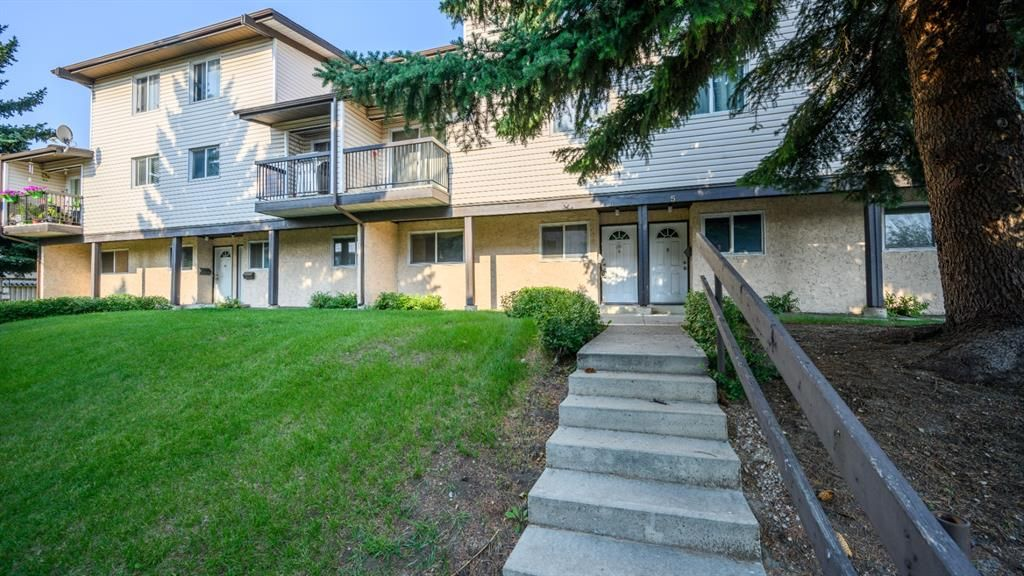 Main Photo: 8 3745 Fonda Way SE in Calgary: Forest Heights Row/Townhouse for sale : MLS®# A1129869