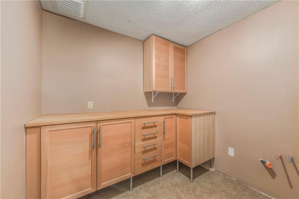 Photo 33: Photos: 2603 SIGNAL RIDGE View SW in Calgary: Signal Hill House for sale : MLS®# C4177922