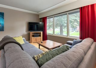 Photo 4: 2312 Sumac Road NW in Calgary: West Hillhurst Detached for sale : MLS®# A1127548
