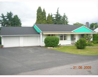 """Photo 1: 1381 COTTONWOOD Crescent in North Vancouver: Norgate House for sale in """"NORGATE"""" : MLS®# V772980"""