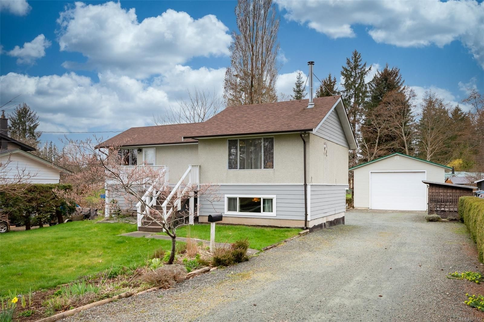 Main Photo: 3842 Barclay Rd in : CR Campbell River North House for sale (Campbell River)  : MLS®# 871721