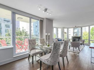 Photo 4: 406 590 NICOLA STREET in Vancouver: Coal Harbour Condo for sale (Vancouver West)  : MLS®# R2302772