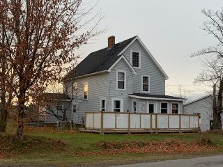 Photo 1: 120 Highland Avenue in Wolfville: 404-Kings County Residential for sale (Annapolis Valley)  : MLS®# 202024146