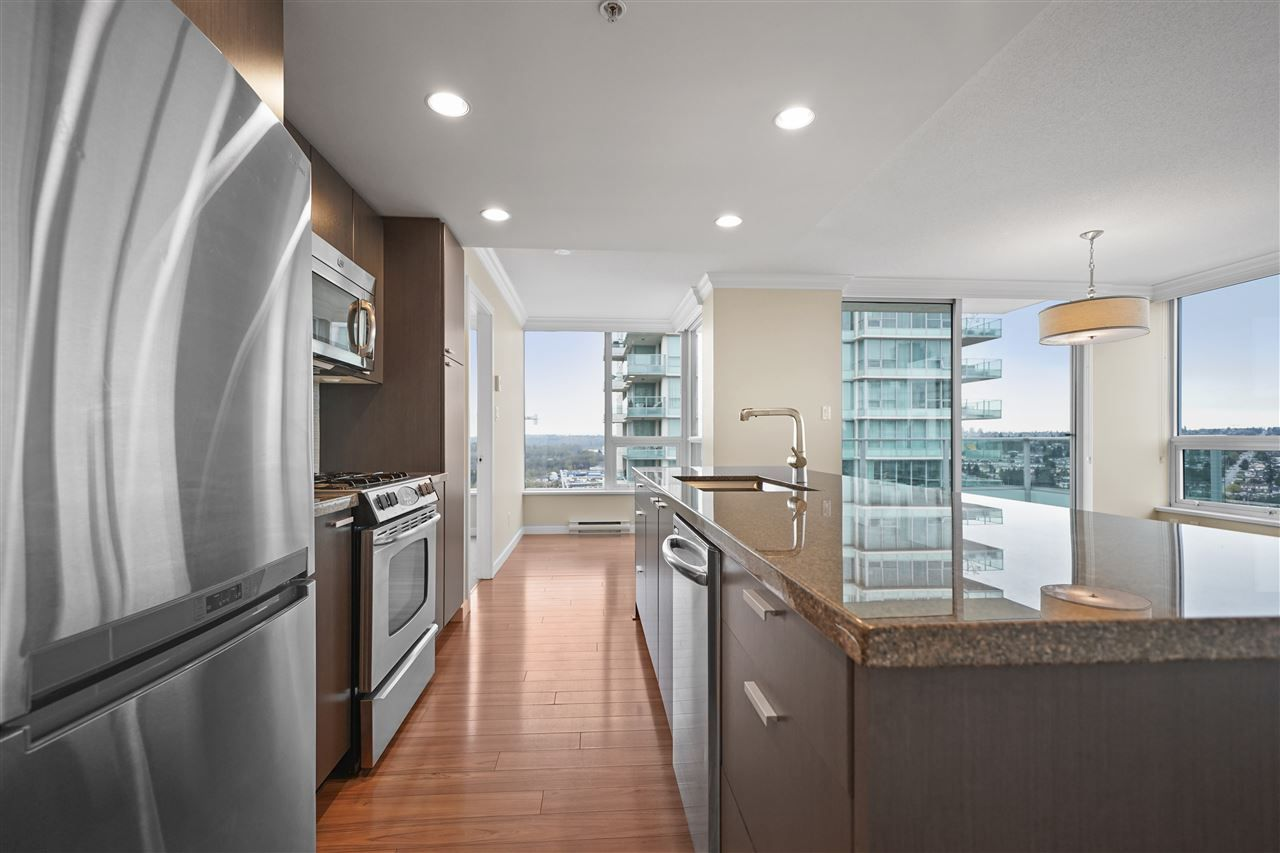 Main Photo: 2103 2200 DOUGLAS Road in Burnaby: Brentwood Park Condo for sale (Burnaby North)  : MLS®# R2357891