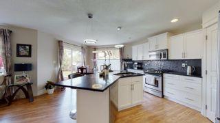 Photo 4: 1510 HODGSON Close in Edmonton: Zone 14 House for sale : MLS®# E4246398