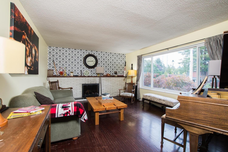 Main Photo: 5329 9 Avenue in Delta: Tsawwassen Central House for sale (Tsawwassen)  : MLS®# R2623796