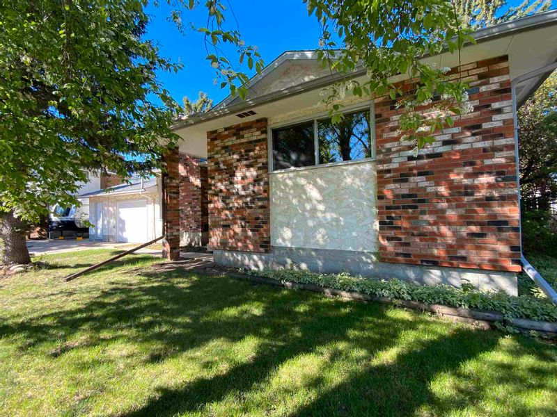 FEATURED LISTING: 127 Green Ash Drive Wetaskiwin