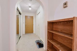 Photo 13: 201 9717 Third St in Sidney: Si Sidney South-East Condo for sale : MLS®# 884173