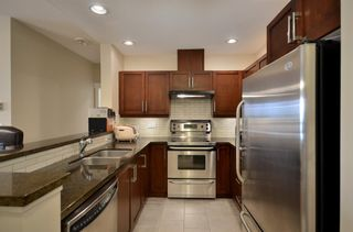 Photo 5: 212 6328 Larkin Drive in Vancouver: Condo for sale : MLS®# R2079448