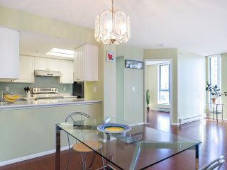 """Photo 8: 804 719 PRINCESS Street in New Westminster: Uptown NW Condo for sale in """"STIRLING PLACE"""" : MLS®# R2432360"""