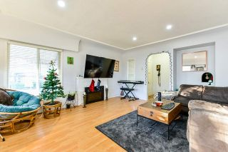 Photo 3: 7320 INVERNESS Street in Vancouver: South Vancouver House for sale (Vancouver East)  : MLS®# R2523929