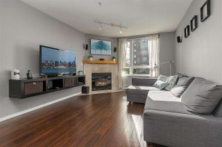 """Photo 2: PH8 1163 THE HIGH Street in Coquitlam: North Coquitlam Condo for sale in """"Kensington Court"""" : MLS®# R2452327"""