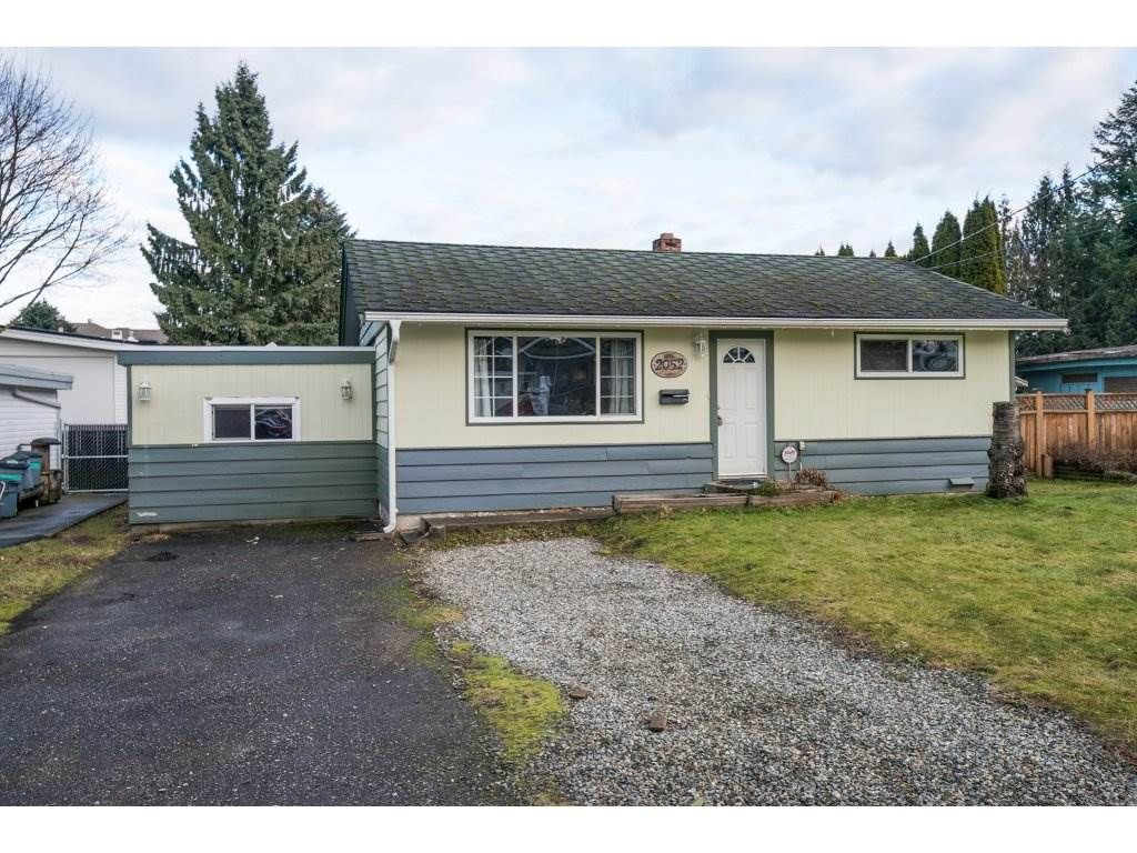 Main Photo: 2052 VINEWOOD Street in Abbotsford: Central Abbotsford House for sale : MLS®# R2129991