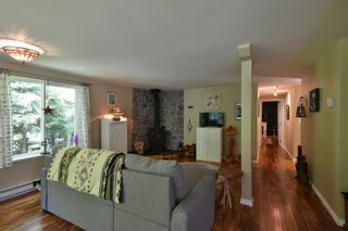 Photo 10: 93 CHADWICK Road in Gibsons: Gibsons & Area House for sale (Sunshine Coast)  : MLS®# R2594709