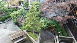"Photo 4: 1133 W 8TH Avenue in Vancouver: Fairview VW Townhouse for sale in ""FAIRVIEW ONE"" (Vancouver West)  : MLS®# R2019523"
