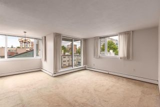"Photo 2: 402 2165 W 40TH Avenue in Vancouver: Kerrisdale Condo for sale in ""THE VERONICA"" (Vancouver West)  : MLS®# R2383809"