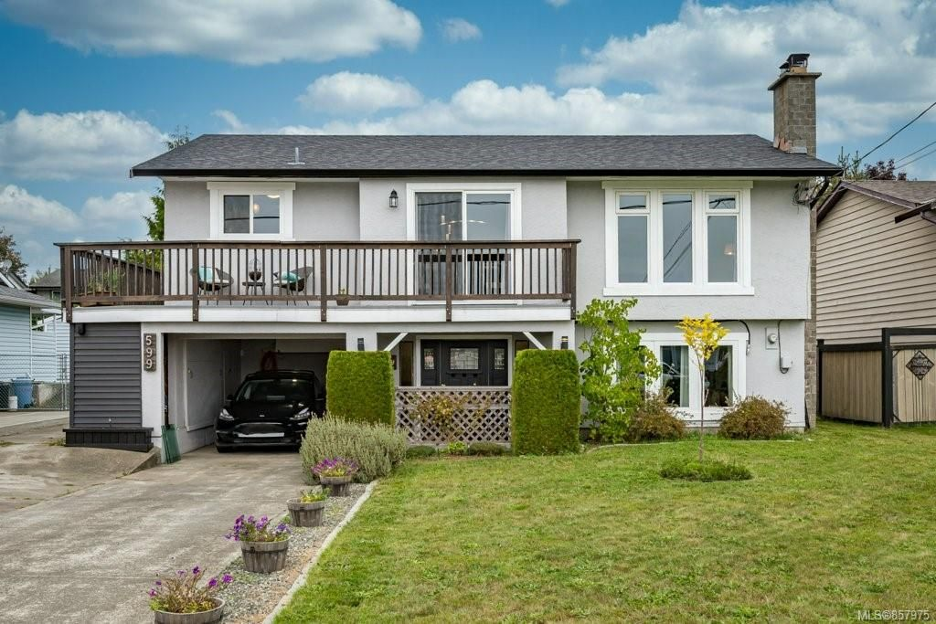 Main Photo: 599 23rd St in : CV Courtenay City House for sale (Comox Valley)  : MLS®# 857975