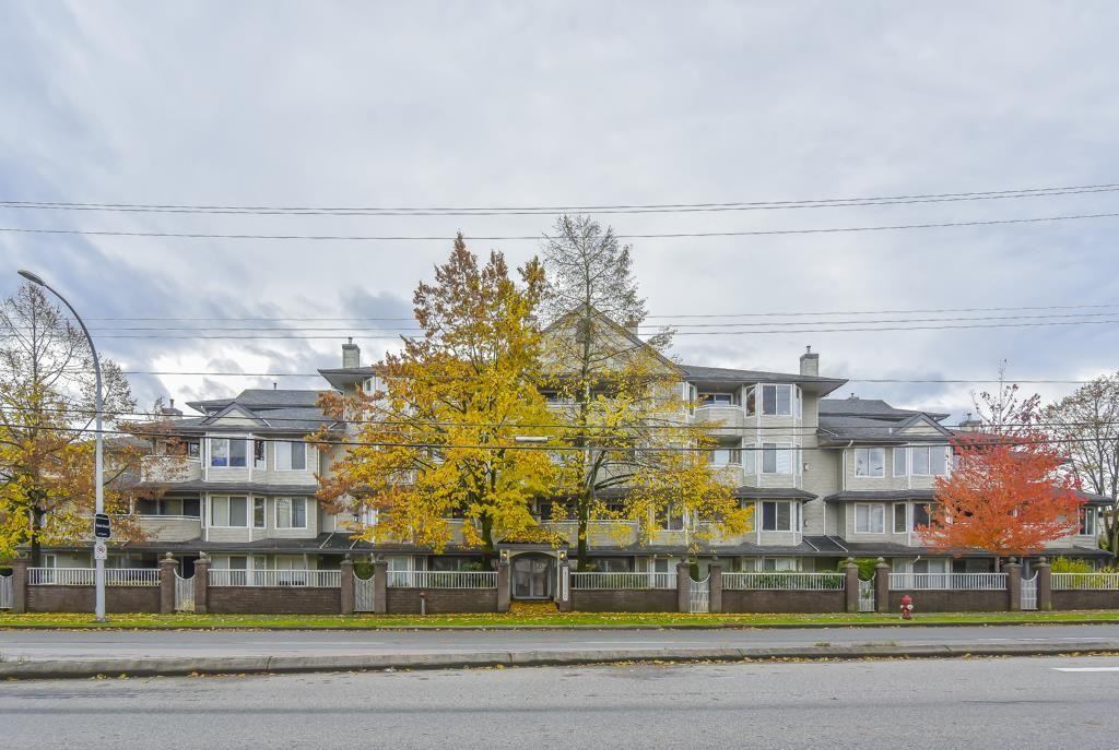 "Main Photo: 401 12110 80 Avenue in Surrey: West Newton Condo for sale in ""La Costa Green"" : MLS®# R2552722"