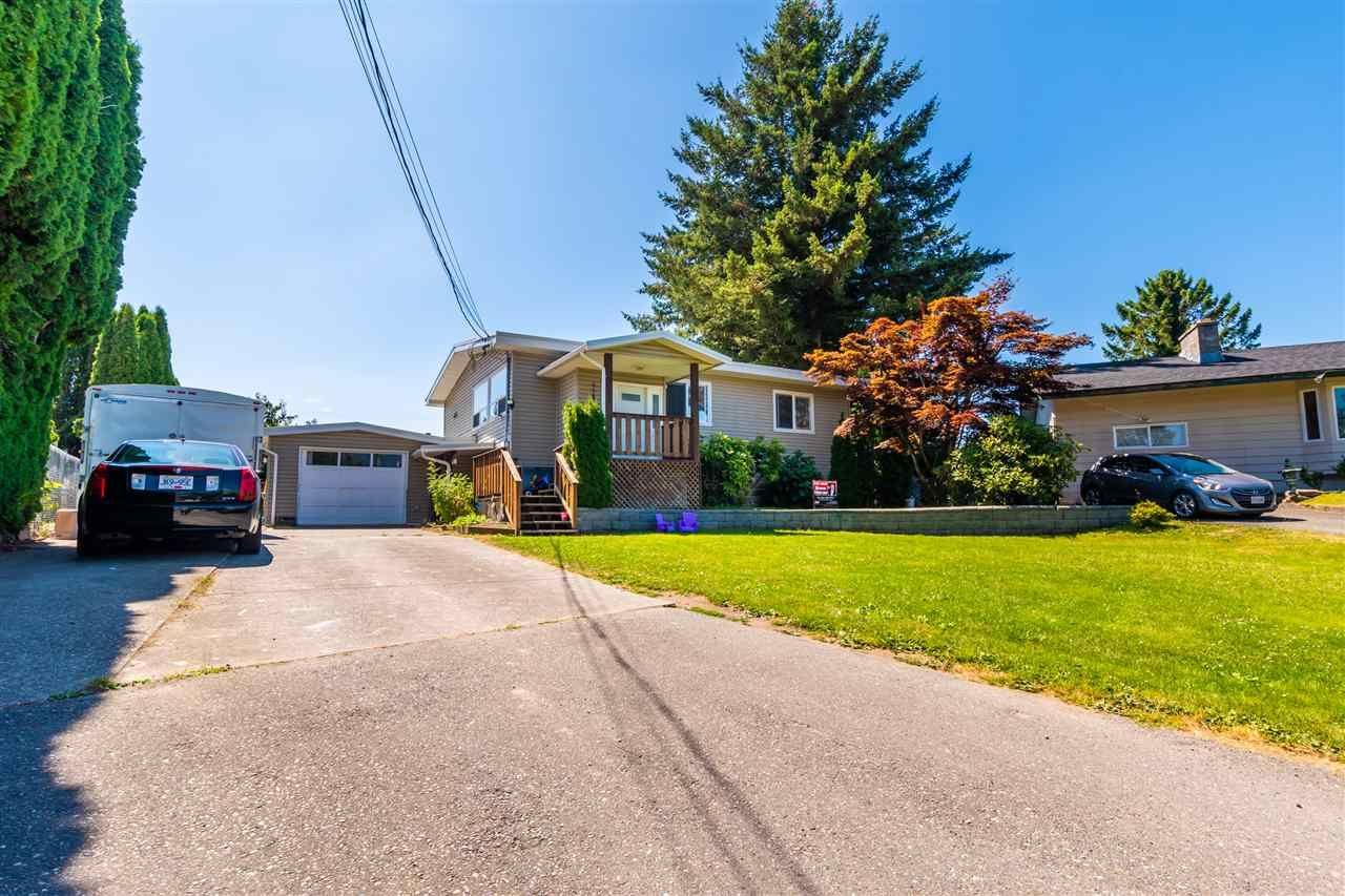 """Main Photo: 45640 NEWBY Drive in Chilliwack: Sardis West Vedder Rd House for sale in """"SARDIS"""" (Sardis)  : MLS®# R2481893"""