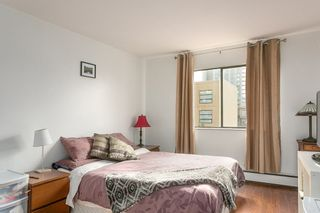"""Photo 7: 207 131 W 4TH Street in North Vancouver: Lower Lonsdale Condo for sale in """"NOTTINGHAM PLACE"""" : MLS®# R2221675"""