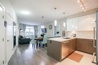 """Photo 3: 109 20 E ROYAL Avenue in New Westminster: Fraserview NW Condo for sale in """"The Lookout"""" : MLS®# R2229386"""