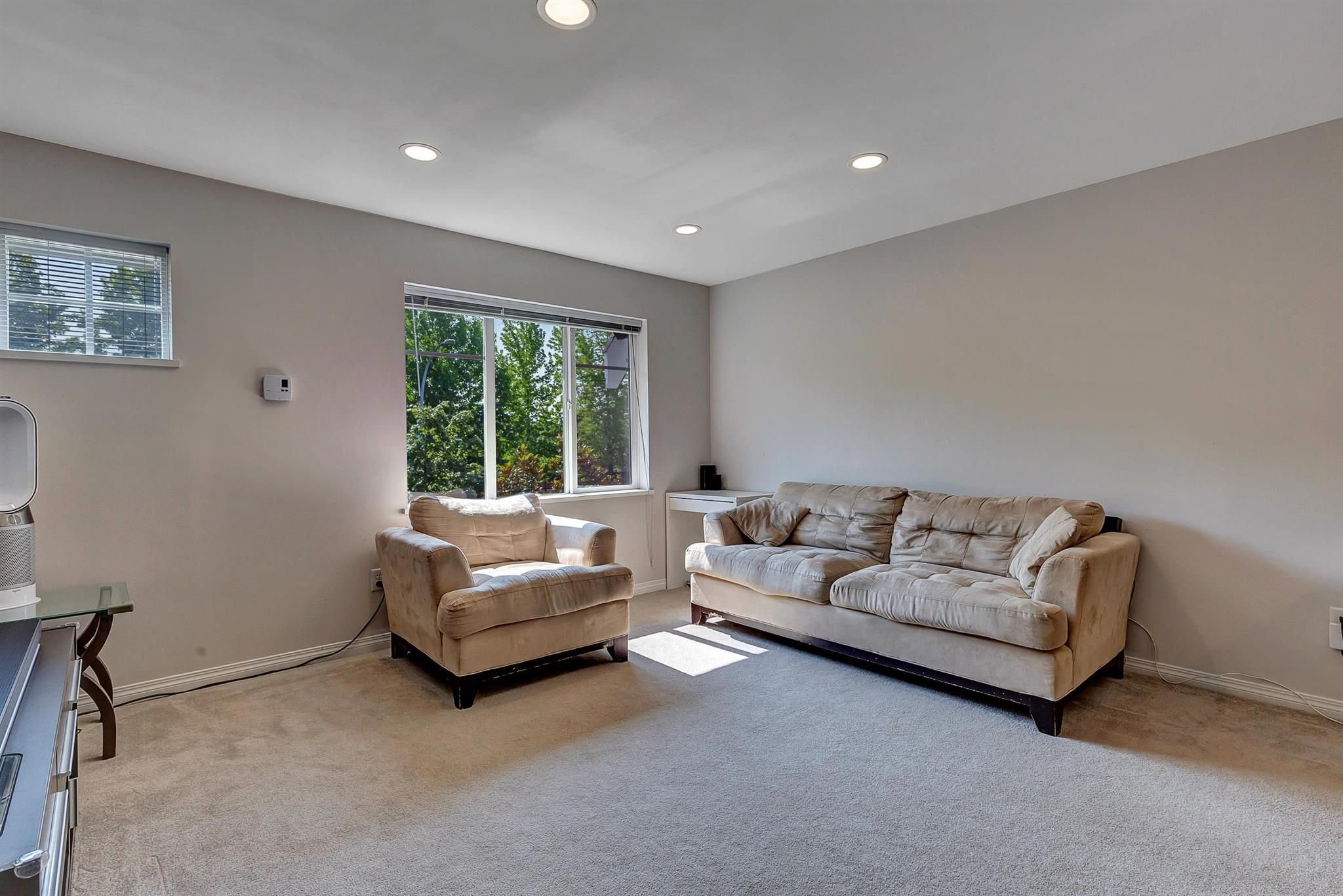 """Photo 8: Photos: 9 15871 85 Avenue in Surrey: Fleetwood Tynehead Townhouse for sale in """"Huckleberry"""" : MLS®# R2606668"""