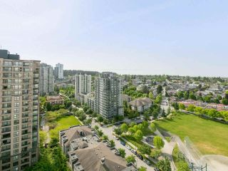 """Photo 3: 1802 5189 GASTON Street in Vancouver: Collingwood VE Condo for sale in """"THE MACGREGOR"""" (Vancouver East)  : MLS®# R2369458"""