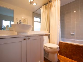 """Photo 27: 1592 ISLAND PARK Walk in Vancouver: False Creek Townhouse for sale in """"LAGOONS"""" (Vancouver West)  : MLS®# V1099043"""