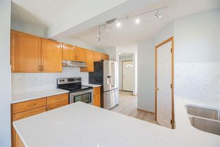 Photo 3: 35 Rundlelawn Park NE in Calgary: Rundle Semi Detached for sale : MLS®# A1154037