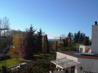 Photo 7: 4 15989 Marine Dr in White Rock: Home for sale