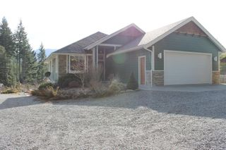 Photo 1: 5160 Cowichan Lake Rd in : Du West Duncan House for sale (Duncan)  : MLS®# 869501