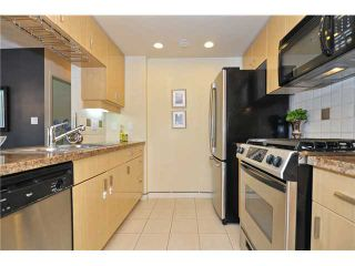 """Photo 4: 605 1067 MARINASIDE Crescent in Vancouver: Yaletown Condo for sale in """"QUAYWEST II"""" (Vancouver West)  : MLS®# V955642"""