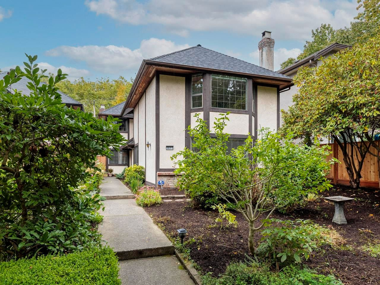 """Main Photo: 3811 W 27TH Avenue in Vancouver: Dunbar House for sale in """"Dunbar"""" (Vancouver West)  : MLS®# R2620293"""