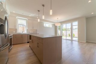 Photo 7: 2111 Wood Violet Lane in NORTH SAANICH: NS Bazan Bay House for sale (North Saanich)  : MLS®# 782810