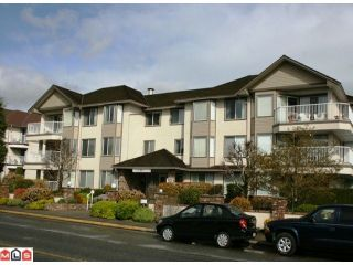 "Photo 1: 110 33401 MAYFAIR Avenue in Abbotsford: Central Abbotsford Condo for sale in ""MAYFAIR GARDENS"" : MLS®# F1008610"