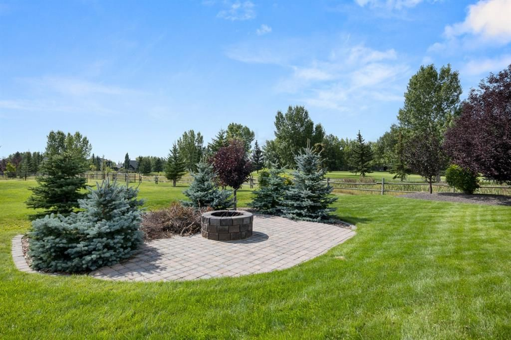 Photo 39: Photos: 15 Lynx Meadows Drive NW: Calgary Detached for sale : MLS®# A1139904