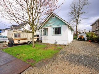 Photo 1: 237 FENTON Street in New Westminster: Queensborough House for sale : MLS®# V1054489