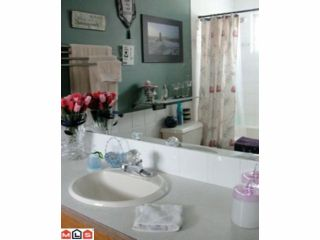 Photo 9: 8442 CADE BARR ST in Mission: Mission BC House for sale : MLS®# F1112041