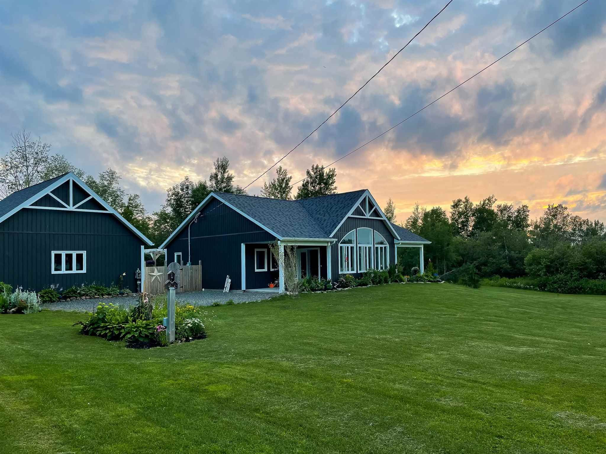Main Photo: 503 West Halls Harbour Road in Halls Harbour: 404-Kings County Residential for sale (Annapolis Valley)  : MLS®# 202117326