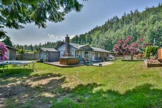 Main Photo: 7981 ROLLS Street in Mission: Hatzic House for sale : MLS®# R2270040