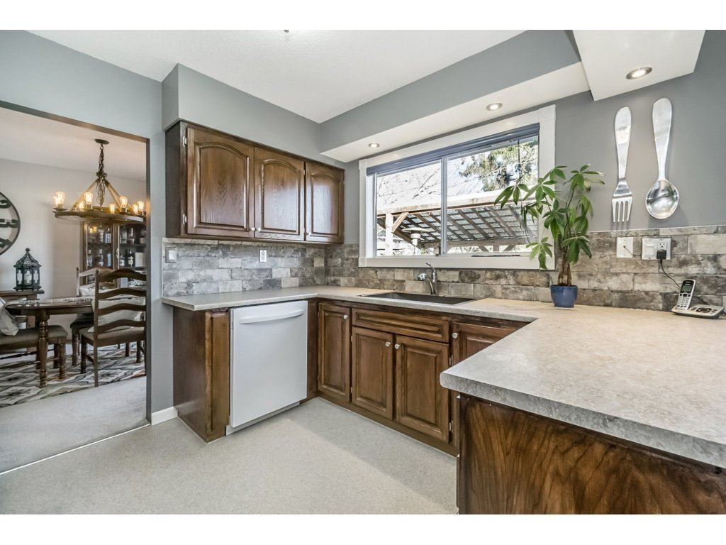 Photo 9: Photos: 6474 196 Street in Langley: Willoughby Heights House for sale : MLS®# R2239174