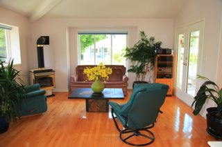 Photo 9: 1462 Cardinal Lane in White Rock: Home for sale