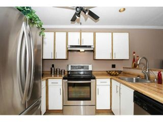 """Photo 6: 204 11724 225TH Street in Maple Ridge: East Central Townhouse for sale in """"ROYAL TERRACE"""" : MLS®# V1090224"""