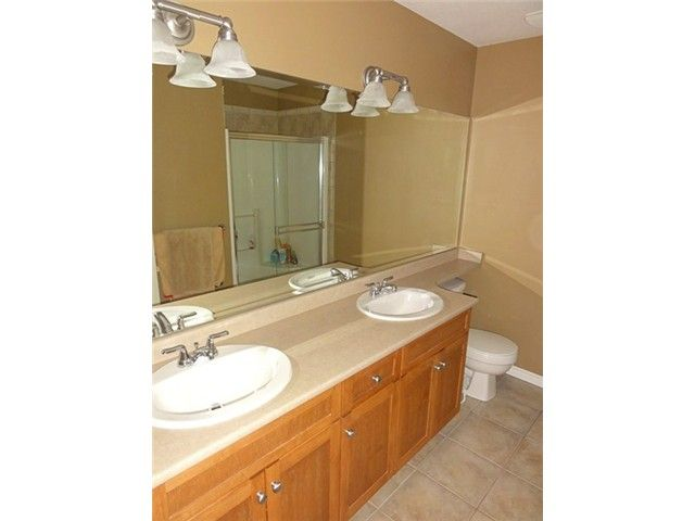 """Photo 9: Photos: # 2 6588 188TH ST in Surrey: Cloverdale BC Townhouse for sale in """"Hillcrest Place"""" (Cloverdale)  : MLS®# F1321944"""