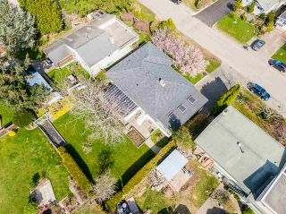 """Photo 37: 1283 PARKER Street: White Rock House for sale in """"EAST BEACH"""" (South Surrey White Rock)  : MLS®# R2562015"""