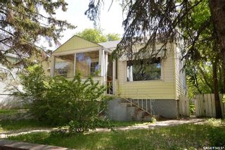 Photo 1: 1045 4th Avenue Northwest in Moose Jaw: Central MJ Residential for sale : MLS®# SK857267