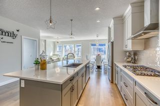 Photo 5: 32 West Grove Place SW in Calgary: West Springs Detached for sale : MLS®# A1113463