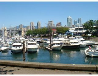 """Photo 7: 304 1502 ISLAND PARK Walk in Vancouver: False Creek Condo for sale in """"THE LAGOONS"""" (Vancouver West)  : MLS®# V775905"""