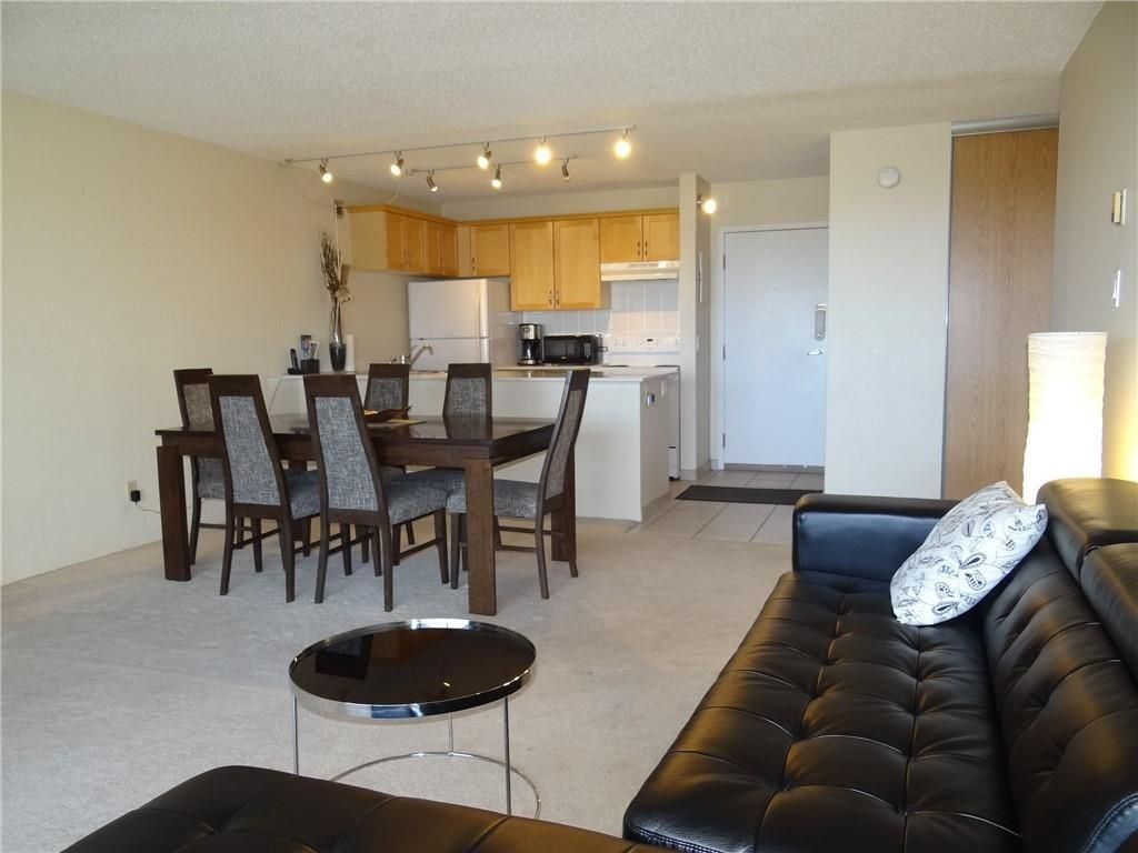 Main Photo: 1806 221 6 Avenue SE in Calgary: Downtown Commercial Core Apartment for sale : MLS®# C4239500
